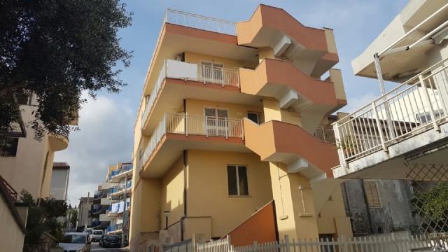 Appartamento vendita ROCCALUMERA (ME) - 3 LOCALI - 80 MQ