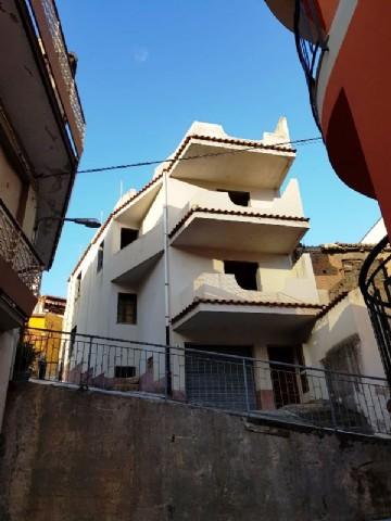 Casa Indipendente vendita PAGLIARA (ME) - 99 LOCALI - 260 MQ