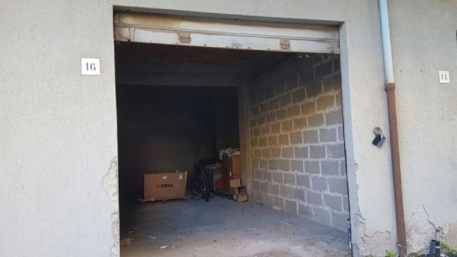 Ampio garage in localit roccalumera lungomare vendita for Ampio garage per auto