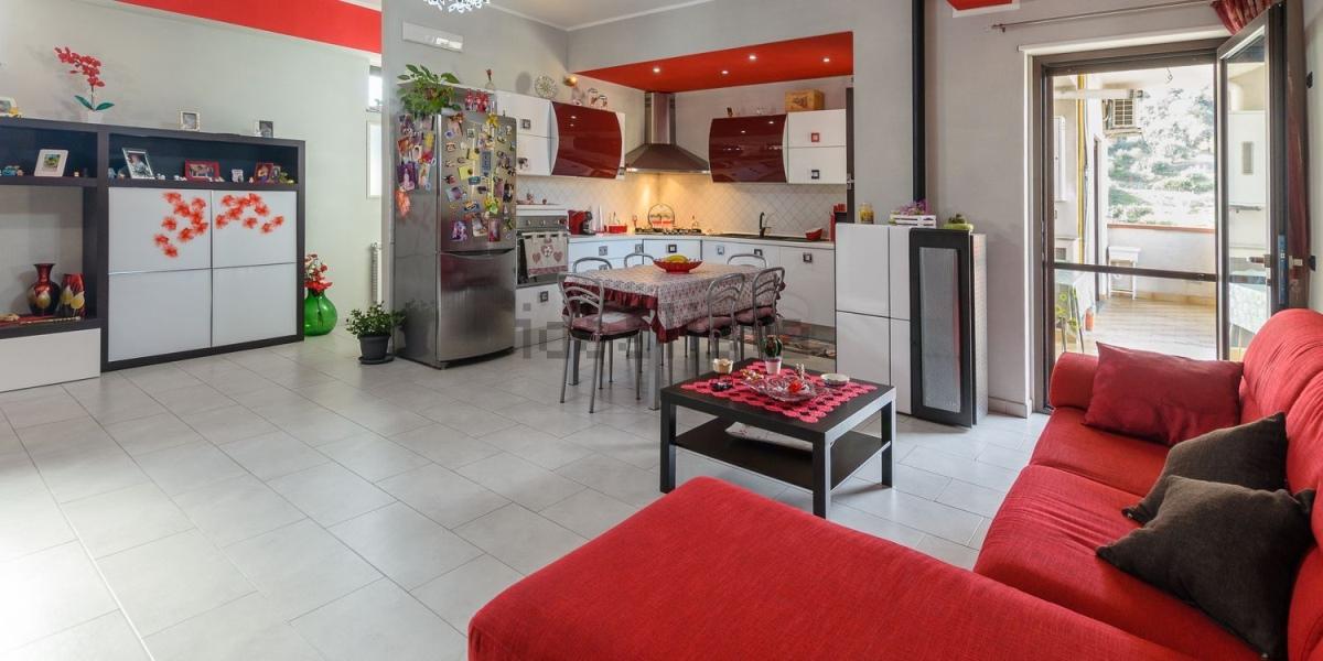 Appartamento vendita SANTA TERESA DI RIVA (ME) - 4 LOCALI - 141 MQ